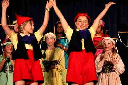 School Plays for Kids to Perform!  Pinocchio!